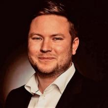 Edmund Ovington's picture